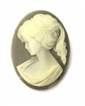 Plastic Cameos<br>18 x 13mm<br>10 Dozen For